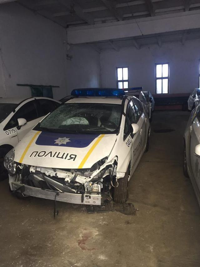 розбитий у ДТП поліцейський