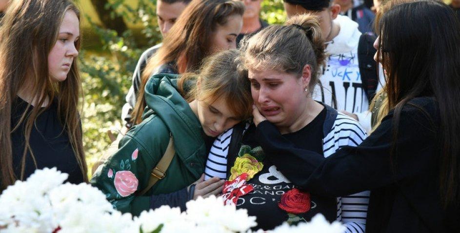 Стрілянина і вибухи в Керчі: дивні моменти, які вигідні лише одній стороні