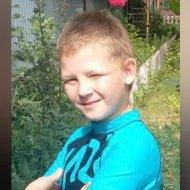 Під Києвом шукають 10-річного хлопчика зі шрамом від опіку (фото)